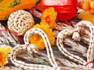 обои для рабочего стола: Осенний урожай и плетеные сердечки