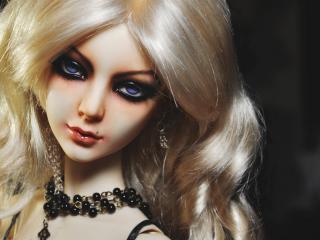 обои Белокурая куколка с черным макияжем фото