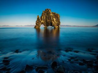 обои Скала носорог в Исландии фото