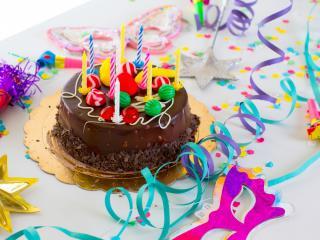 обои Праздничный торт на день рождения фото