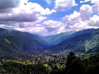обои Небо,   горы и леса фото