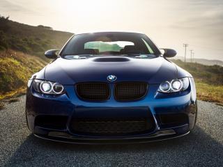 обои Синий BMW M3 на дороге фото