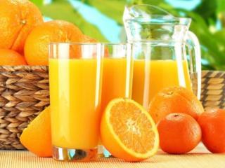 обои для рабочего стола: Апельсины и апельсиновый сок