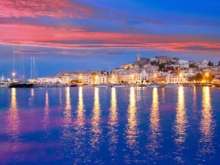 обои Тёплый вечер на острове Сантарини фото