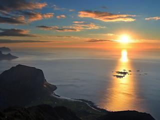 обои Ослепительный закат на море фото