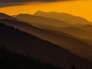 обои Гребни гор в дымке фото