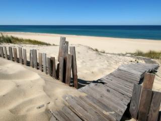 обои для рабочего стола: Деревянный настил к океану