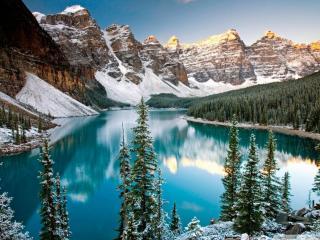 обои Зимнее озеро у снежных гор фото