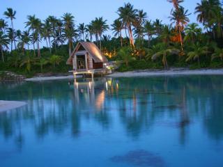обои для рабочего стола: Бора-Бора один из замечательных островов архипелага во Французской Полинезии