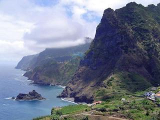 обои Горы у моря фото