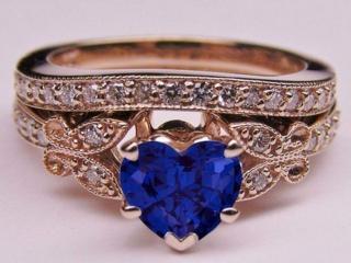 обои Перстень с камнем в виде сердца фото