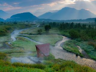 обои Утро горячей реки фото