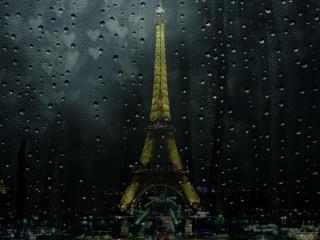 обои Башня за мокрым стеклом фото