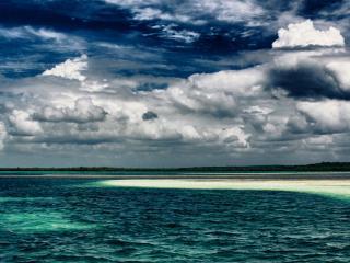 обои Песчанная коса в синем заливе фото