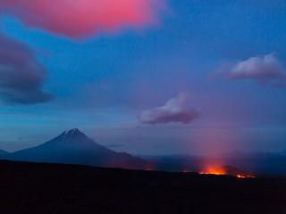 обои Зажигая облака фото