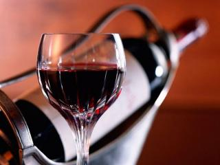 обои Красное Крымское вино фото