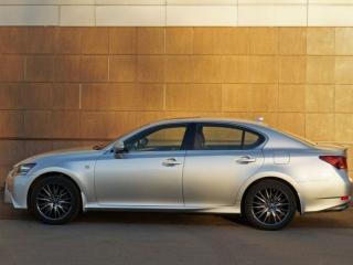 обои Белый Лексус у стены - Lexus GS фото