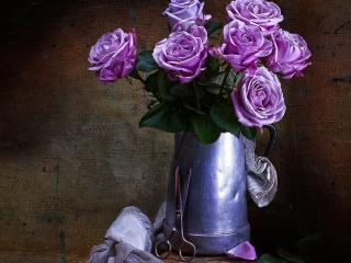 обои Букет роз в алюминиевом кувшине фото