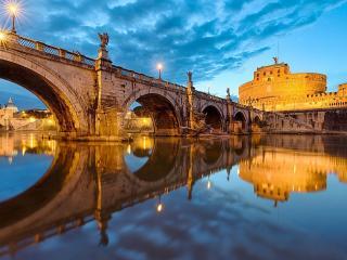 обои Золотой мост на зеркальном озере фото