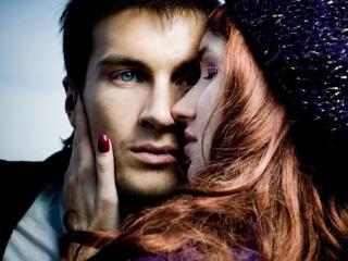 обои Мужчина и женщина с каштановыми волосами фото