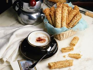 обои Кофе с вафельными трубочками фото