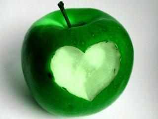 обои Яблоко любви фото