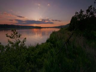обои Тёплый вечер на реке фото