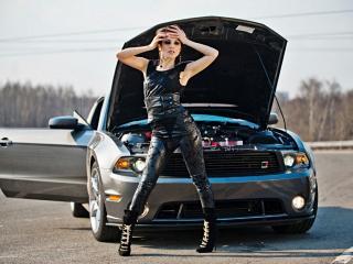 обои Сати Казанова и заглохший автомобиль фото