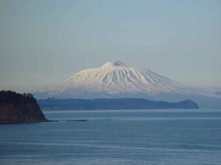 обои для рабочего стола: Вулкан Тятя,   Курильские острова