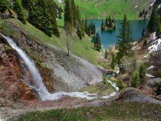 обои Водопад,   ручей и озеро фото
