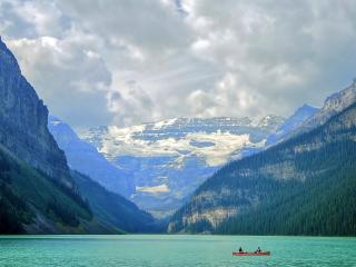 обои Спокойное горное озеро фото