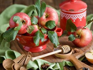 обои Яблоки из своего сада фото