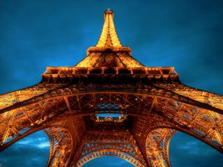 обои Вид снизу на башню фото