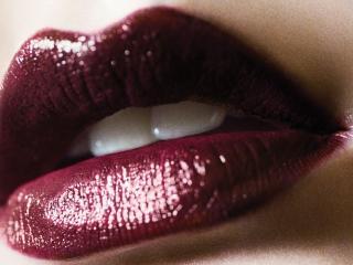 обои Тёмно-вишнёвые губы фото