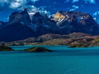 обои Каменные горы и голубой залив фото