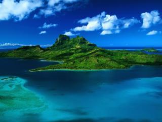 обои Зеленый остров на голубом шельфе фото