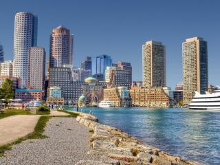 обои Светлый мегаполис с заливом фото