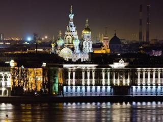обои Ночная набережная Санкт-Петербурга фото