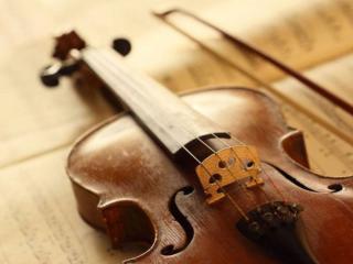 обои для рабочего стола: Скрипка и смычок