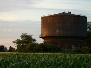 обои Старая водонапорная башня фото