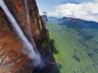 обои Водопад Дракон в Венесуэле фото