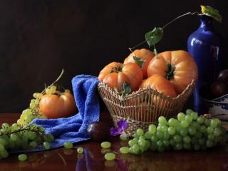 обои Виноград и помидоры фото