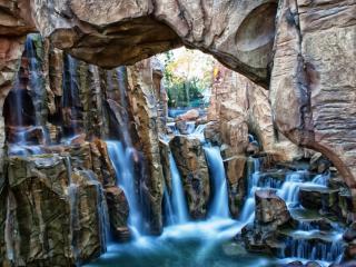 обои Водопад в скале фото