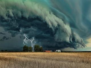 обои для рабочего стола: Торнадо с молнией