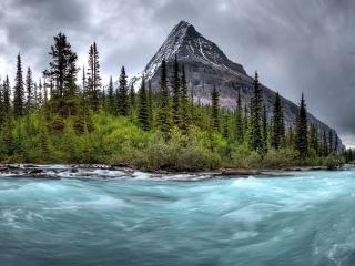 обои Бушующая реку у одинокой горы фото