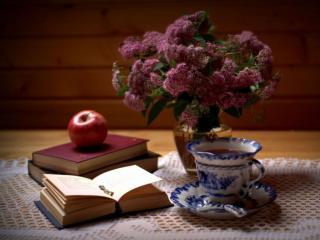 обои Книги,   яблоко,   чай и цветы фото