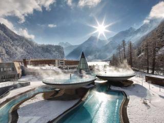 обои для рабочего стола: Отель Aqua Dome,   находится в местечке Лангенфельд,   Австрия