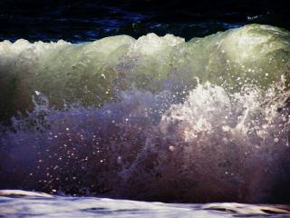 обои Волна на яшмовом пляже фото