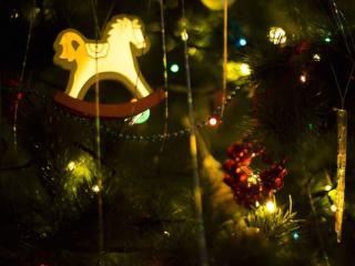 обои для рабочего стола: Новогодняя лошадка