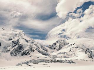 обои Непередаваемая красота заснеженных вершин фото